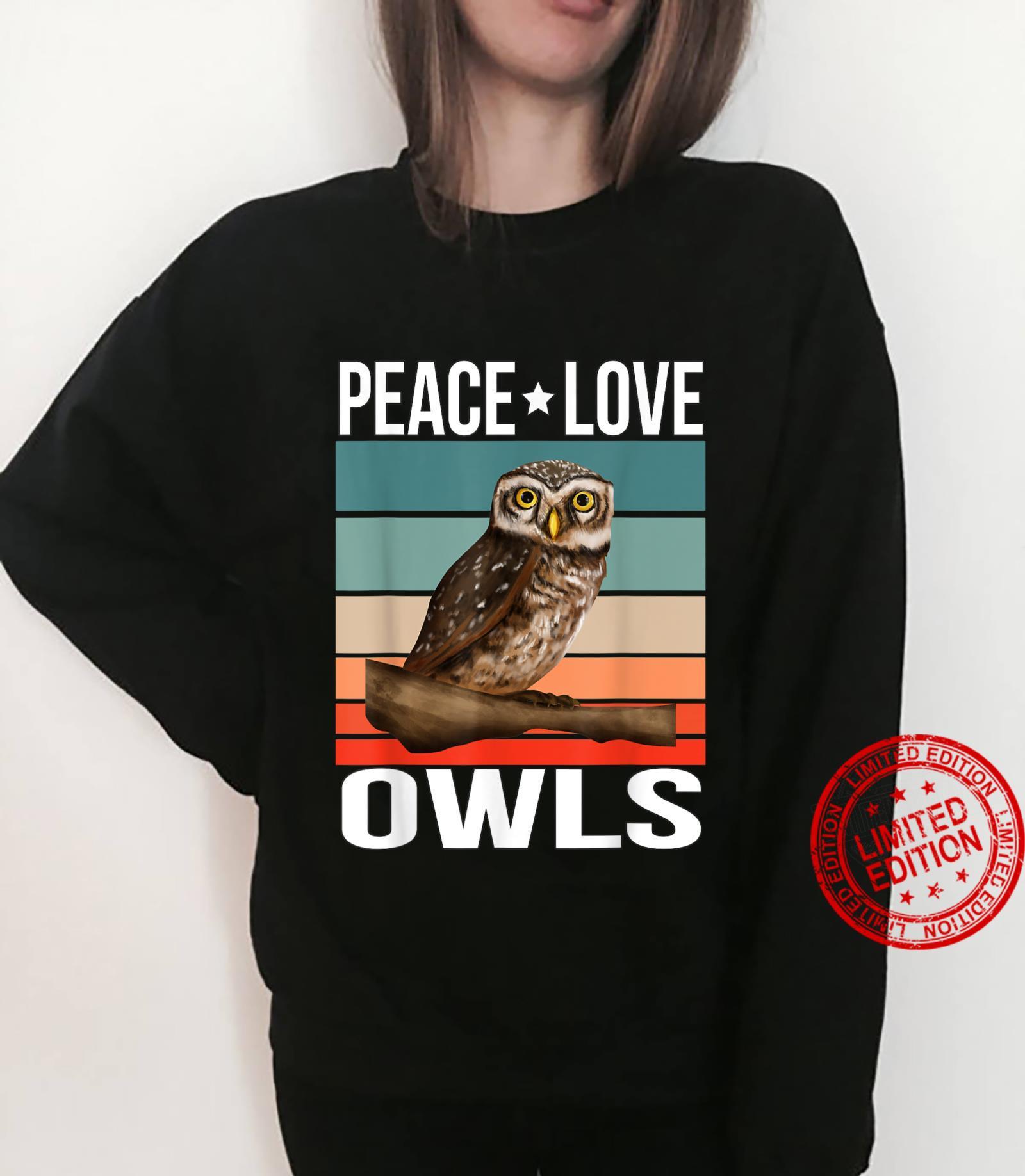 Peace Love Owls Quote Retro Art Birdwatching Birding Bird Shirt sweater