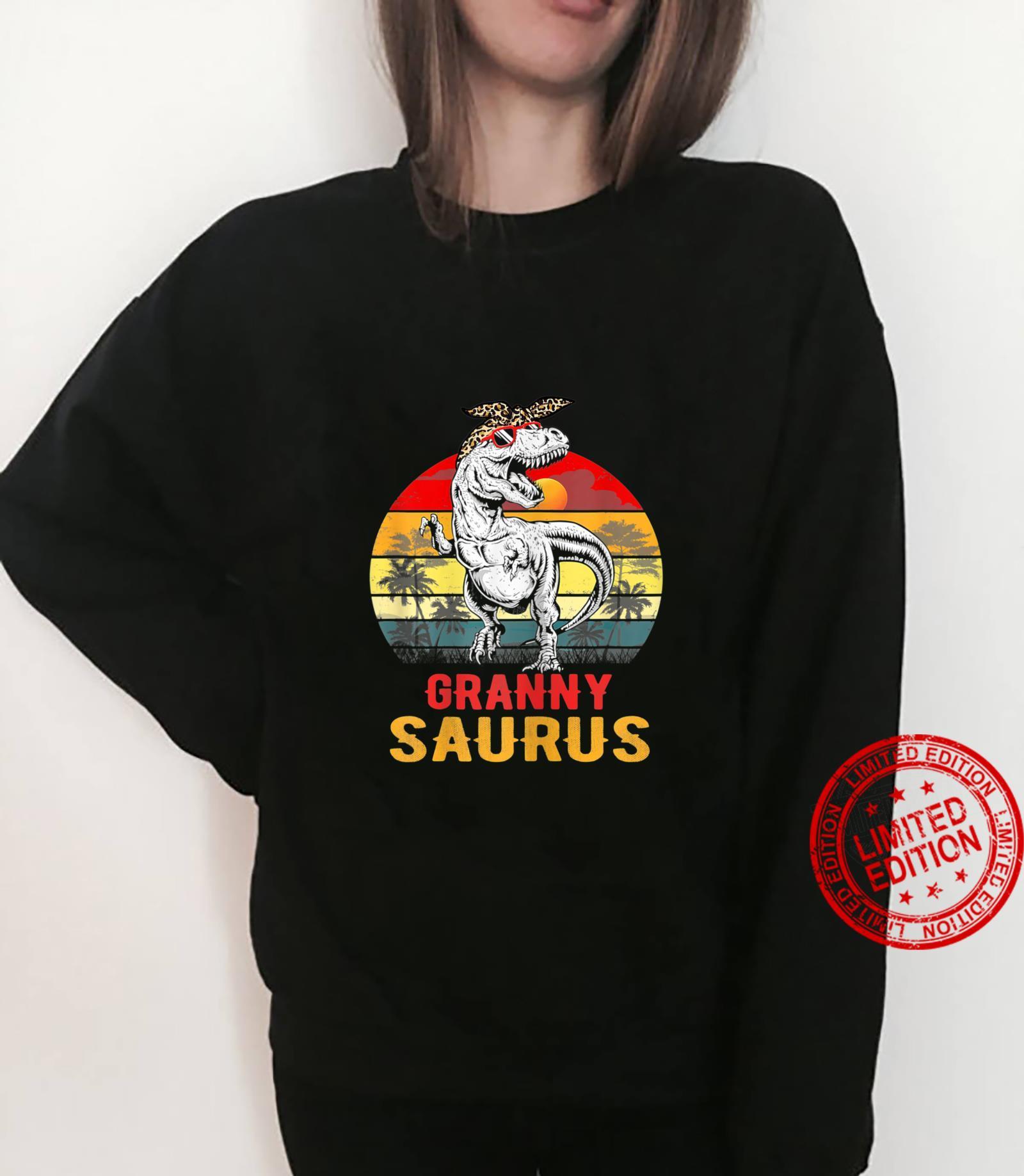 Womens Grannysaurus T Rex Dinosaur Granny Saurus Mothers Day Shirt sweater