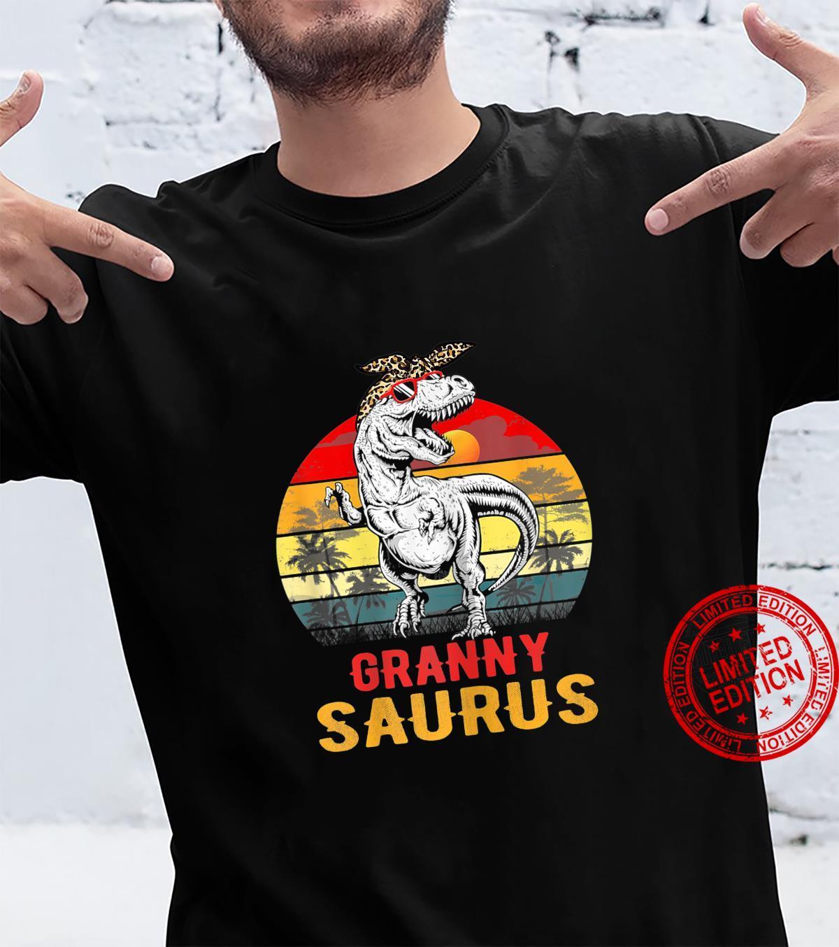 Womens Grannysaurus T Rex Dinosaur Granny Saurus Mothers Day Shirt